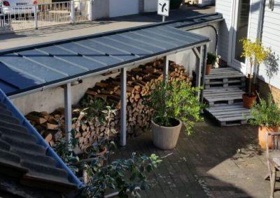 Holzkonstruktion mit Stehfalzeindeckung